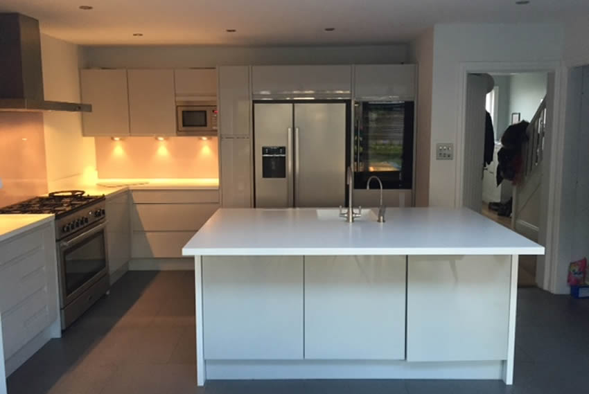 Kitchen supplied and fitted i Sussex by Rightside Kitchens