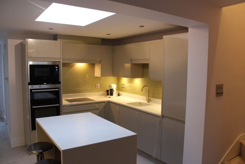 kitchen design and fitting in Surrey